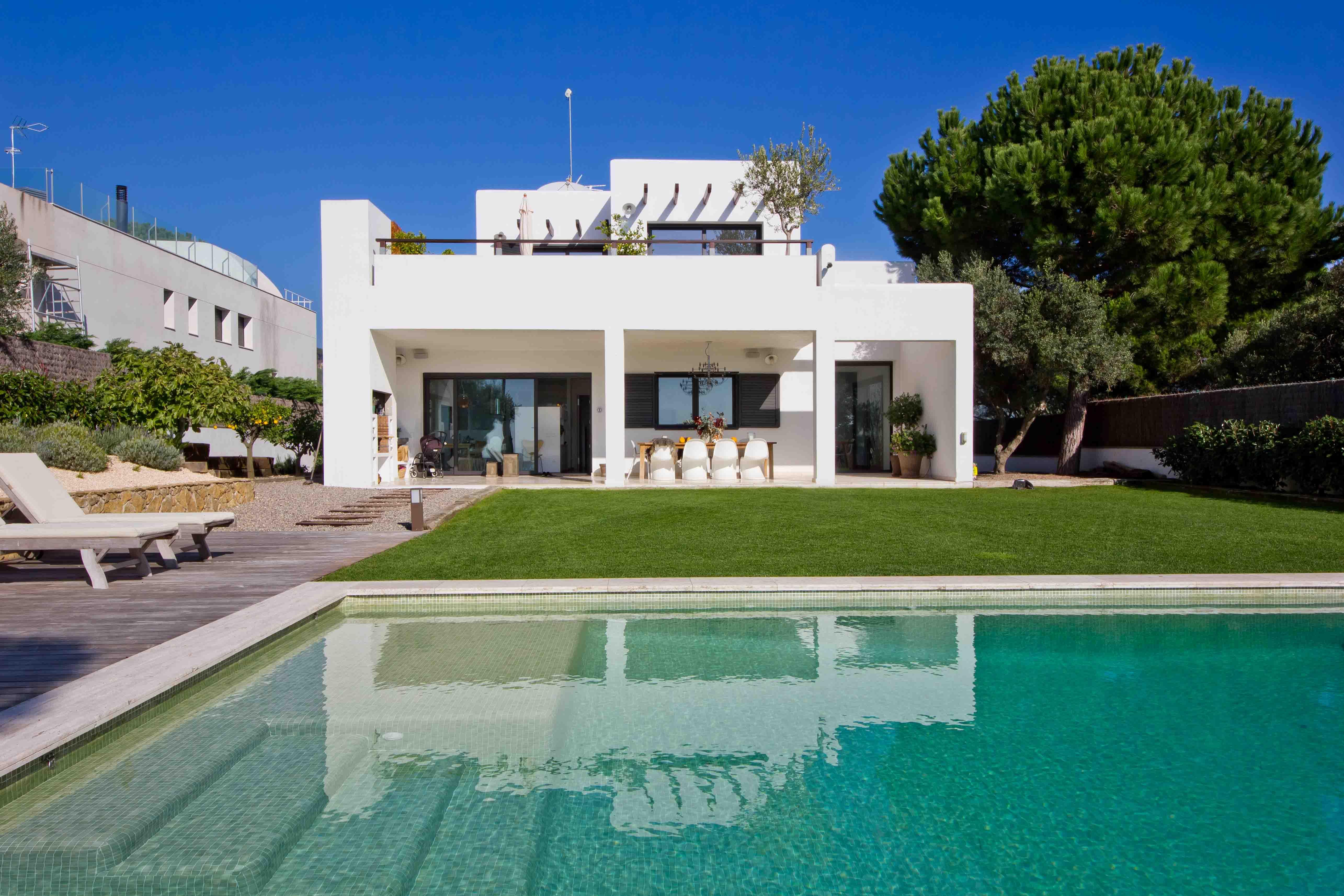 Llevas tiempo pensando en la casa de tus sueños... ¿La construimos?